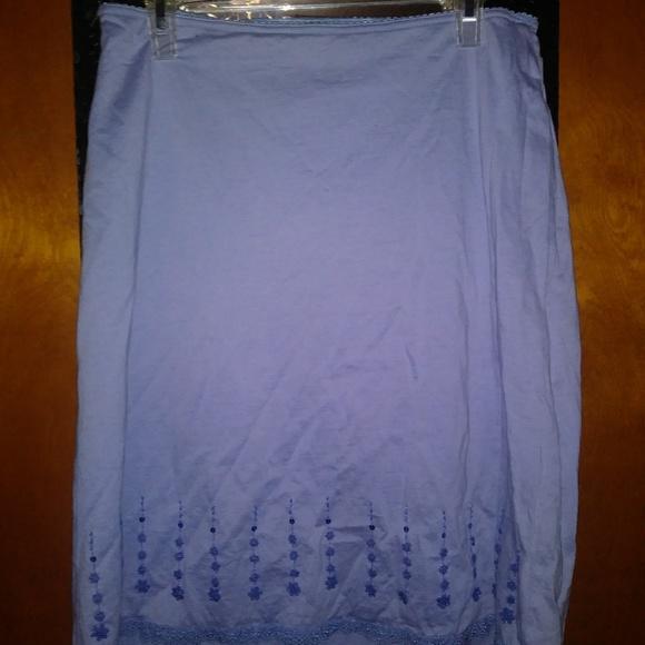 Express Dresses & Skirts - NWOT Express Flowered& Sequin Detailed Skirt